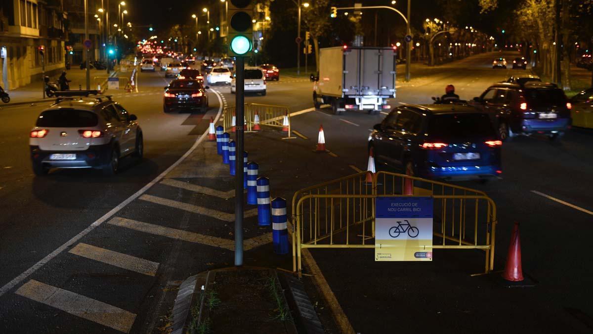 Tráfico fluido en Aragó con Diagonal, en Barcelona, a las 7.18 de la mañana.