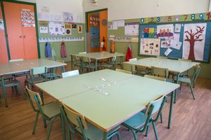 Un aula vacía en el colegio público Las Gaunas en Logroño
