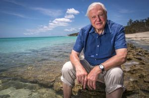 David Attenborough, en uno de sus documentales sobre la Gran Barrera de Coral australiana.