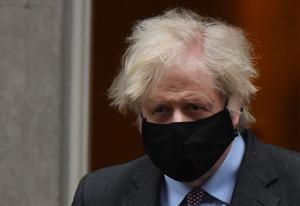 El primer ministro británico, Boris Johnson, antes de su comparecencia en la Cámara de los Comunes este lunes.