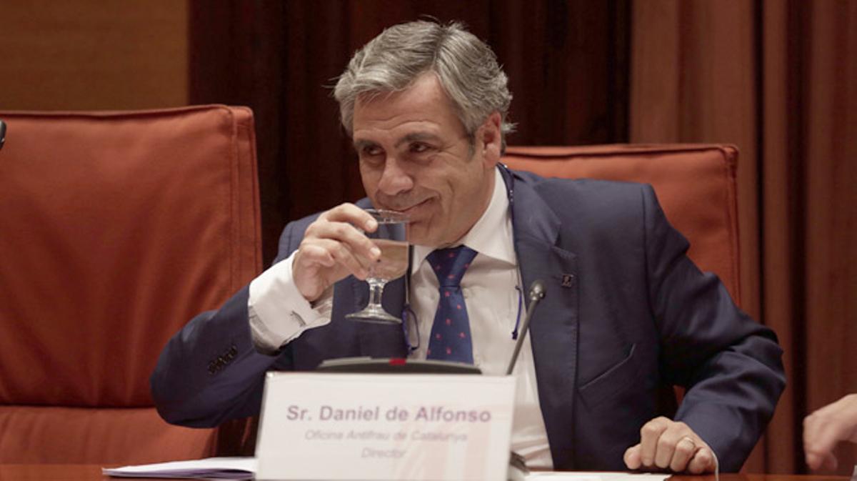 """Comparecencia de Daniel de Alfonso en el Parlament. El director de la Oficina Antifrau de Catalunya dice que han""""destrozado"""" su intimidad y que es un """"cabeza de turco"""" electoral."""