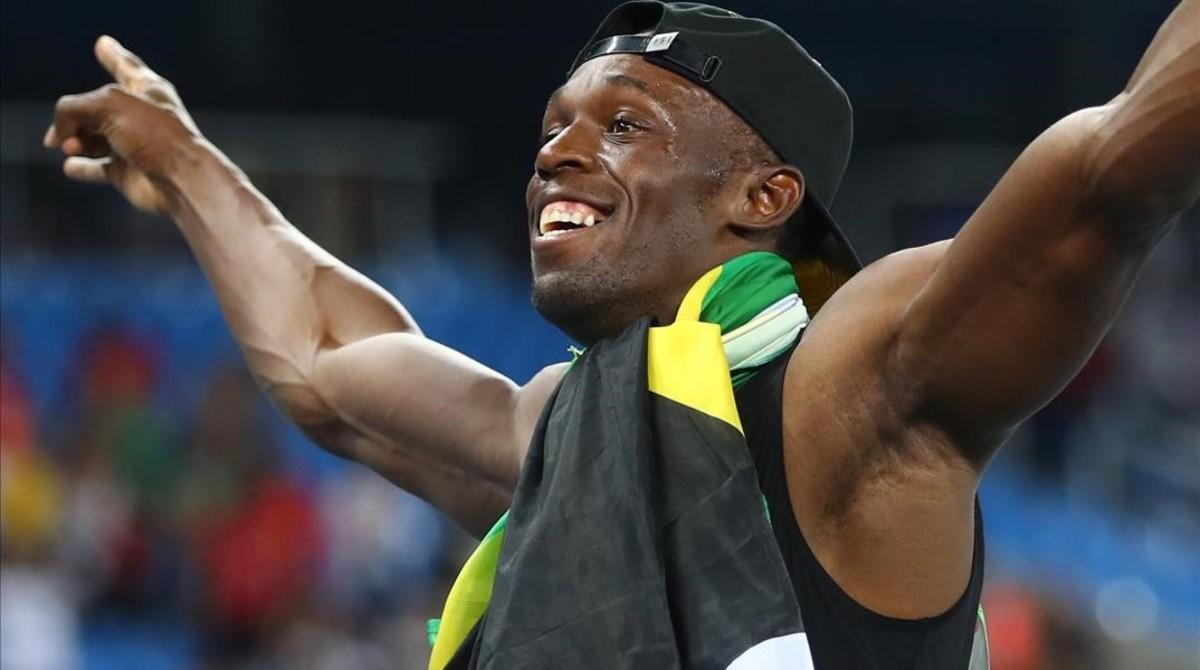 Bolt celebra su noveno oro olímpico, el de los 4x100 metros con Jamaica.