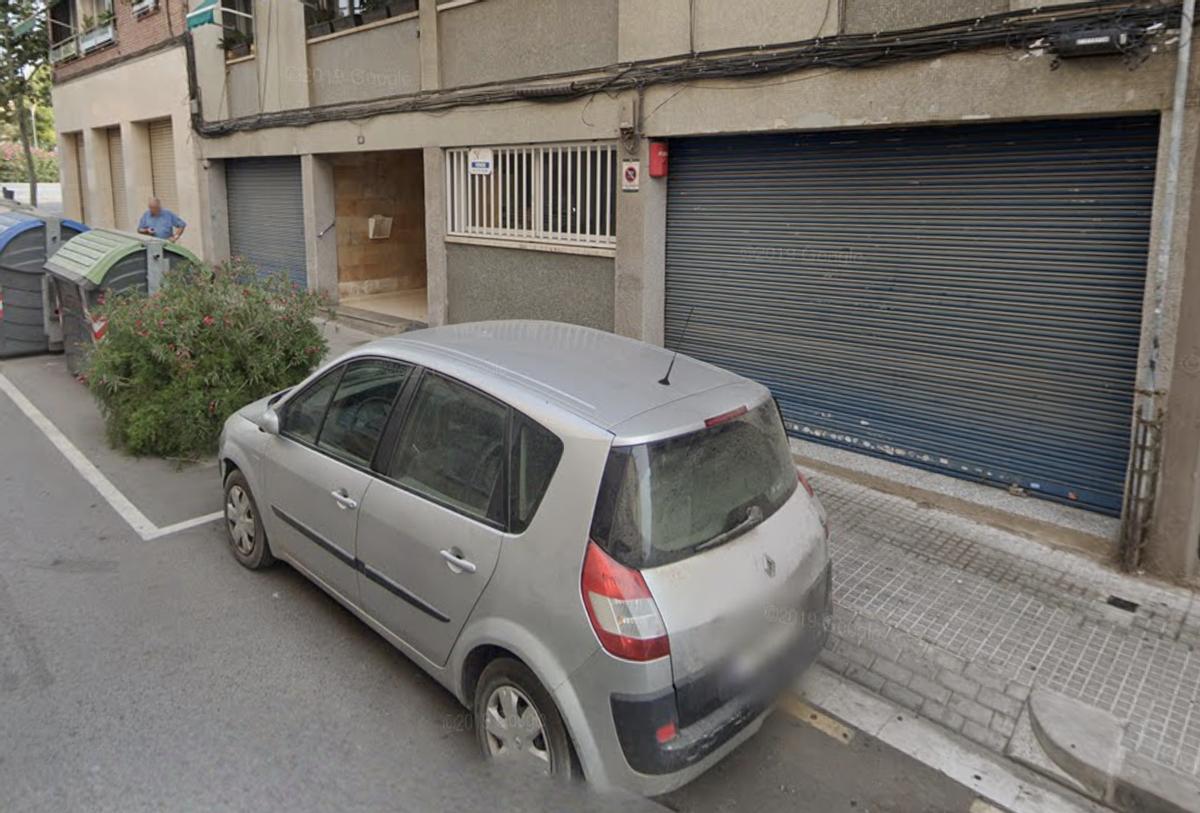 Locales del número 40 de la calle Eduard Tolrà de Esplugues