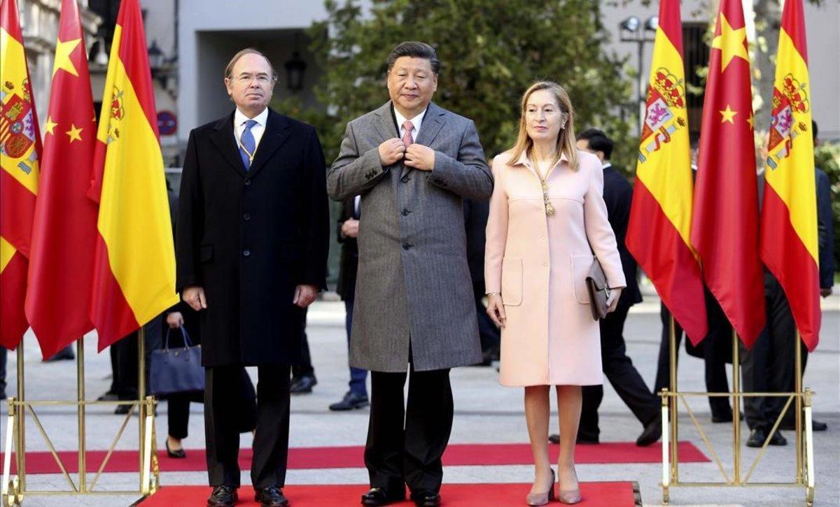España se alía con China contra la guerra comercial de Trump