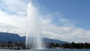 El famoso chorro de agua de la ciudad suiza de Ginebra.