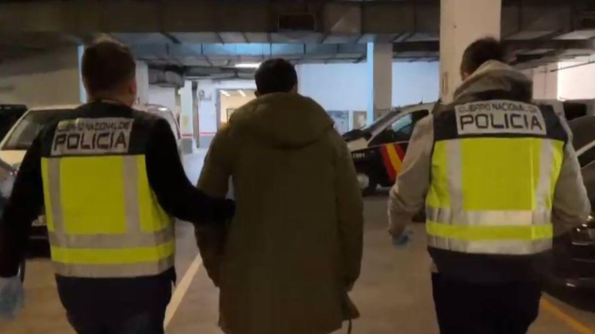 Detingut l'home buscat per donar una pallissa a la seva nòvia menor d'edat a Màlaga
