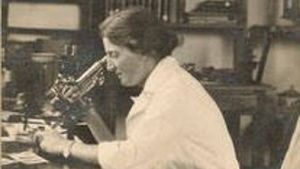 Lucy Wills dedicó gran parte de su vida a viajar por el mundo y a trabajar para garantizar la salud de las futuras madres.