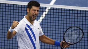 Djokovic celebra el triunfo ante Raonic en el Masters 1000 de Cincinnati.