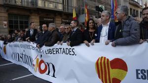 Unes 2.000 persones es manifesten a Barcelona pels 40 anys de la Constitució