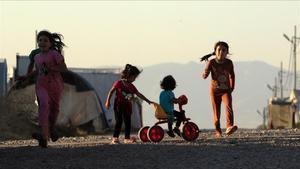 Niños yazidís desplazados en un campamiento del Kurdistan iraquí en julio del 2019