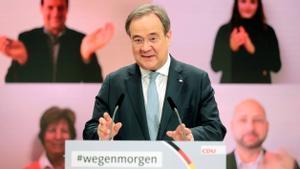 El centrista Armin Laschet presidirà la CDU d'Angela Merkel
