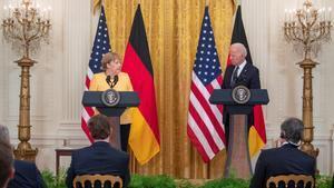 Biden i Merkel prometen continuar units per evitar «l'agressió» de Rússia