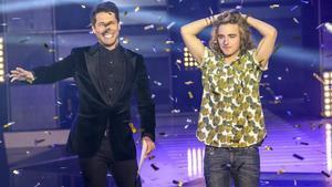 Jaime Cantizano y Manel Navarro, en el momento de ser elegido este candidato a Eurovisión.