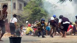Manifestantes en Monywa, una pequeña localidad situada al norte de Mandalay.