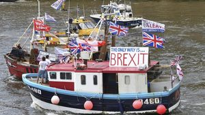Una flotilla de barcos de pesca favorables al 'brexit'navega por el Tamesis en Londres en junio del2016.