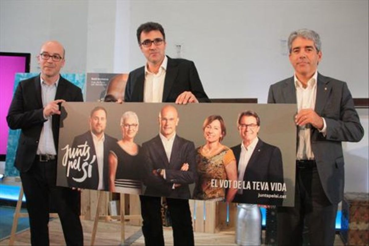 Oriol Soler, Lluís Salvadó (ERC) y Francesc Homs (CDC), directores de campaña de Junts pel Sí, ayer.