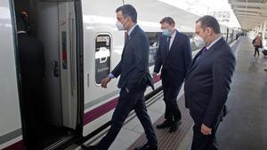 Pedro Sánchez, Ximo Puig y José Luis Ábalos inauguran el servicio comercial del AVE entre Madrid, Elche y Orihuela.