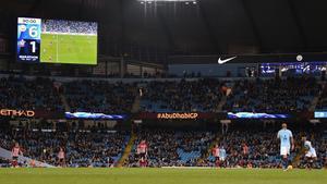 El marcador del Etihad refleja la goleada del City al Southampton en un reciente partido de la Premier.