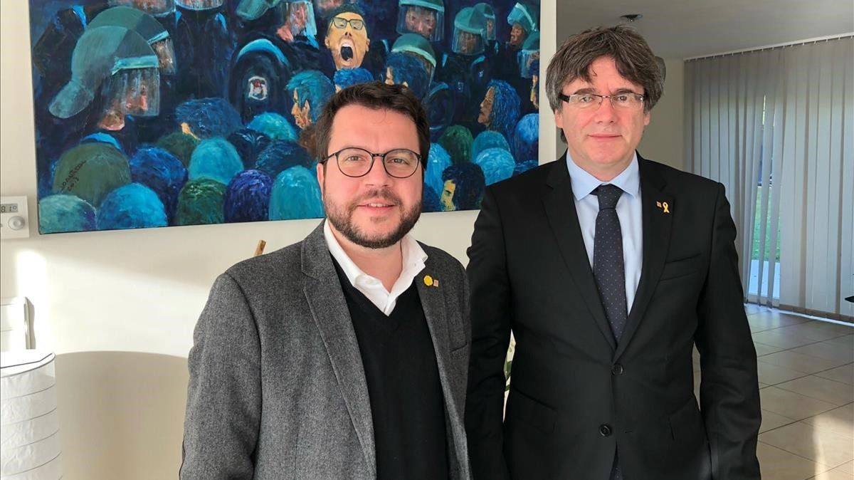 El vicepresidente del Govern, Pere Aragonès, y el 'expresident' Carles Puigdemont, en Waterloo