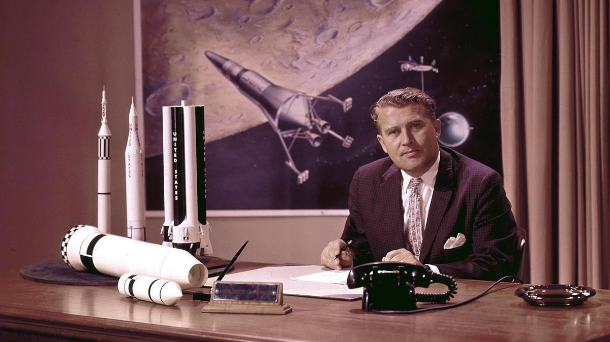 El ingeniero Wernher von Braun, en la NASA