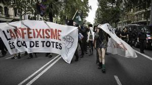 Contramanifestación antifascista en los Jardinets de Gràcia.