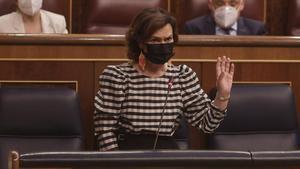 La vicepresidenta primera del Gobierno, Carmen Calvo, este 9 de junio en la sesión de control en el Congreso.