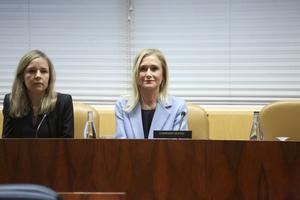 Cristina Cifuentes durante su comparecencia en la comisión de universidades.