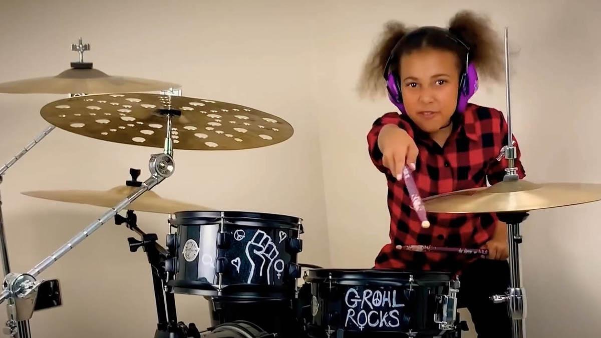 Nandi Bushell, un prodigi de 10 anys a la bateria