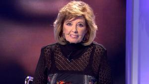 María Teresa Campos vuelve a sentarse en el plató de 'Sábado Deluxe' en Telecinco