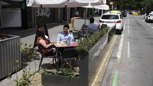 Nueva plataforma de terraza, en Barcelona.