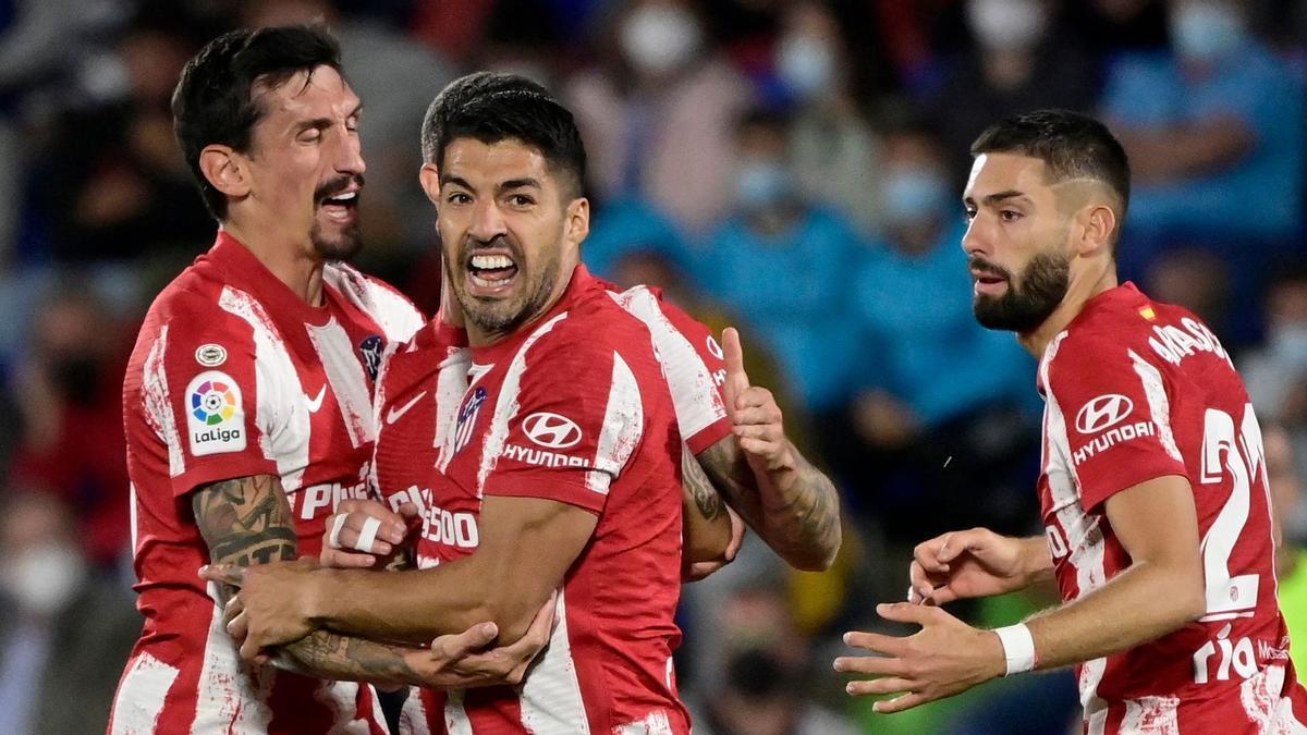 Luis Suárez celebra uno de sus goles, este martes en Getafe.
