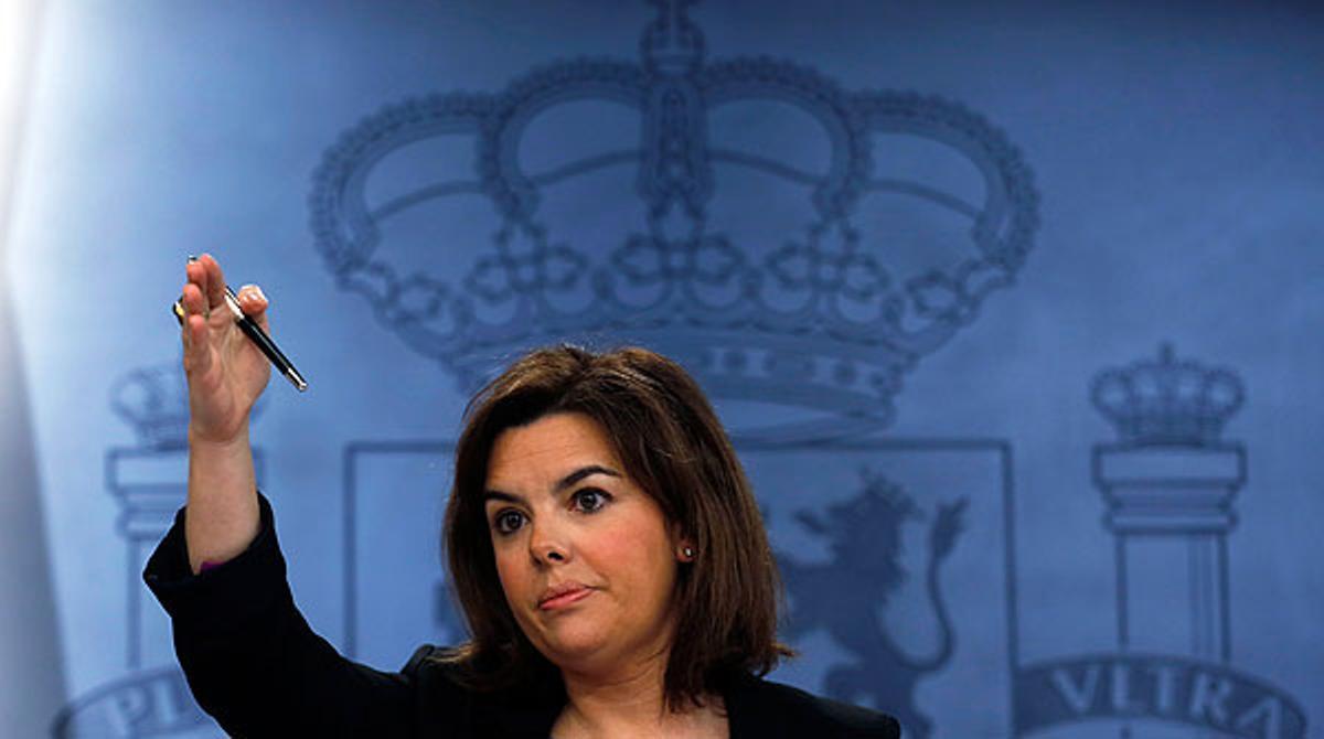 Sáenz de Santamaría: Nunca he visto a Rajoy saltarse una norma.
