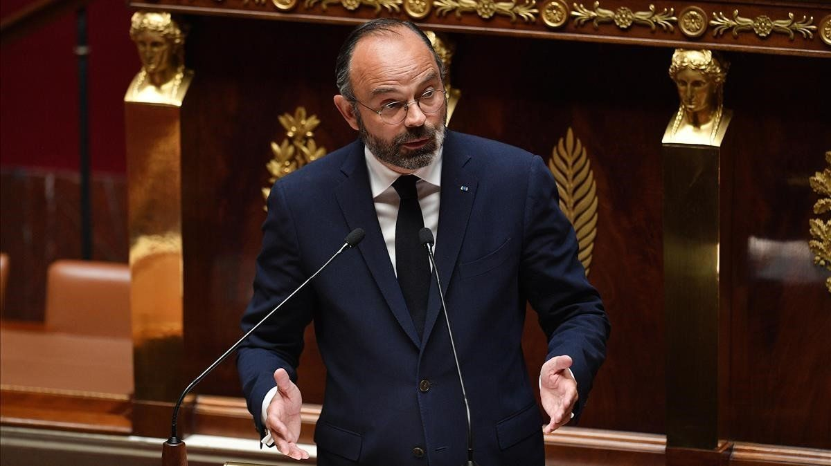 El primer ministro francés, Edouard Philippe, en la presentación del plan de desescalada este martes en la Asamblea Nacional.