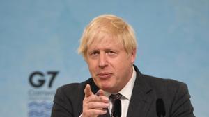 El Regne Unit aixecarà les restriccions malgrat els rebrots