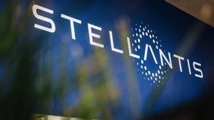 Stellantis confía en el productor del iPhone para producir coches eléctricos
