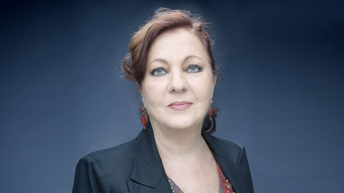 Una imagen promocional de Carmen Linares.