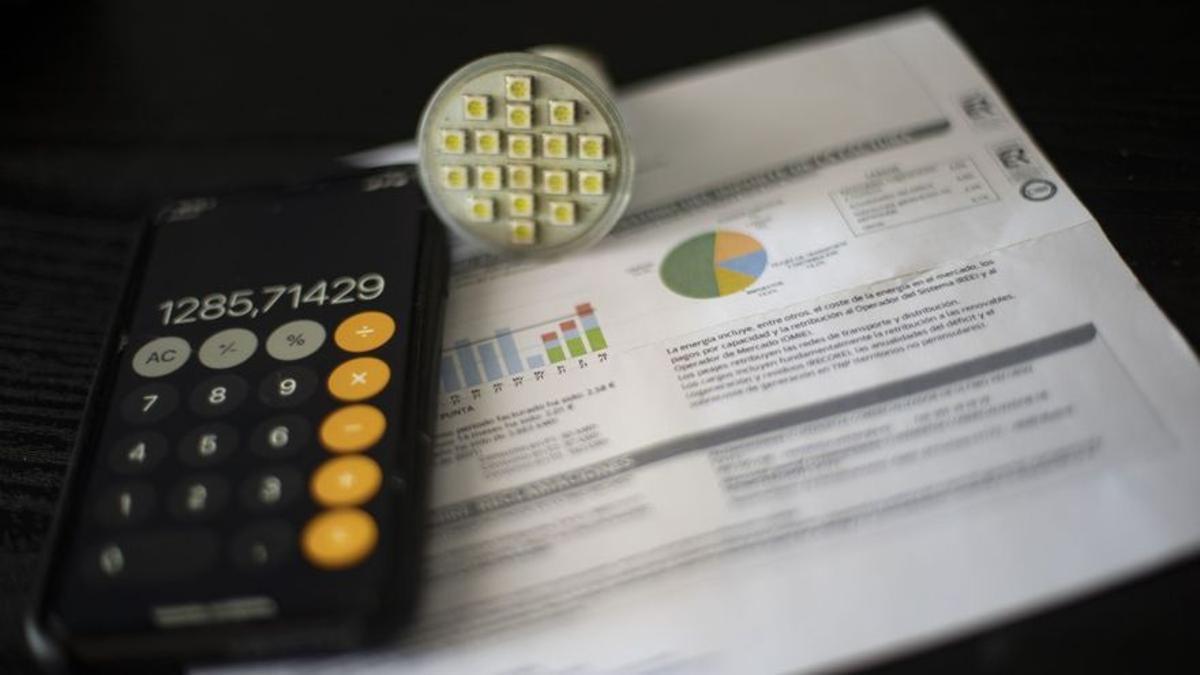 El precio de la luz vuelve a subir por encima de los 200 euros el megavatio-hora