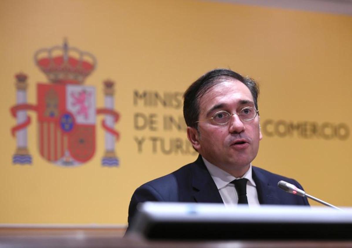 El ministro de Exteriores, José Manuel Albares, el pasado 15 de septiembre de 2021 tras la visita al Palacio de Congresos de Madrid, que acogerá la nueva sede de la Organización Mundial de Turismo (OMT).