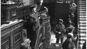 Antonio Tejero asalta el Congreso de los Diputados el 23-F