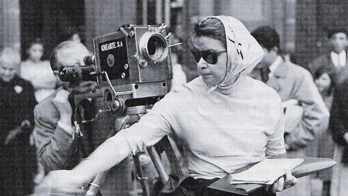 Ana Mariscal, durante el rodaje del documental 'Misa en Compostela' (1954).