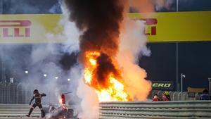 Romain Grosjean sufre un grave accidente en el GP de Baréin