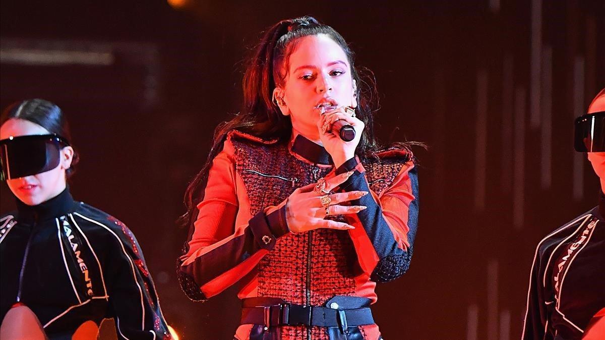 Rosalía, durante la actuación en la 25ª edición de los Europe Music Awards de la MTV, enBilbao.