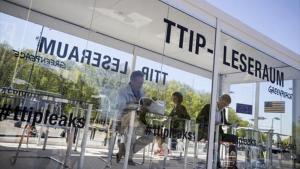Sala de lectura de documentos del TTIP filtrados por Greenpeace, instalada en Berlín, el pasado 2 de mayo.
