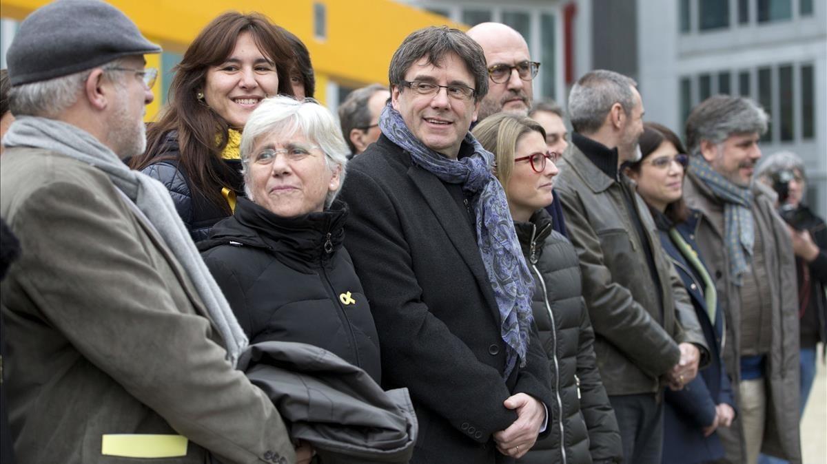 Encuentro de los diputados de Junts per Catalunya con Carles Puigdemont, este viernes en Bruselas.