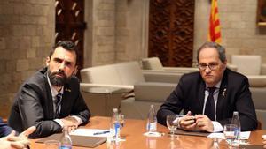 El presidente del Parlament, Roger Torrent, y el 'president', Quim Torra, en una reunión en el Palau de la Generalitat.