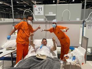 Primer alta de un paciente intubado y extubado en la ucidel Hospital de Ifema.