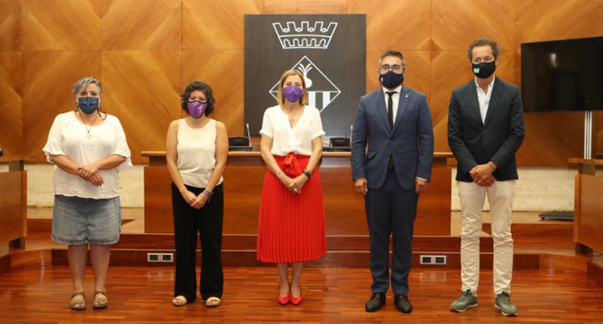 La expresidenta del Parlament de Catalunya ha sido recibida con honores a pesar del plantón del PSC