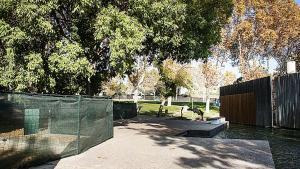 Parets inicia les obres de millora del parc de la Linera que inclouen l'eliminació del llac petit