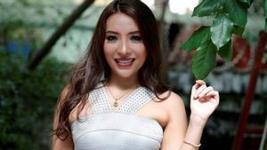 Retirada la licencia de médico a una joven birmana por sus exhuberantes posados en Facebook.