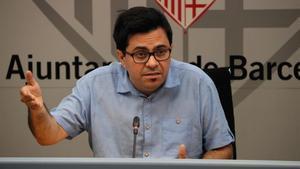 Gerardo Pisarello, primer teniente de alcalde de Barcelona, durante una rueda de prensa